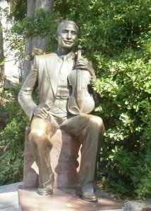 Sasho_Sladura_Monument